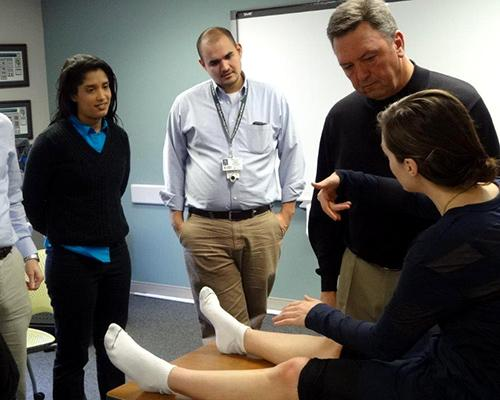 Community physicians and specialists lead didactics for students