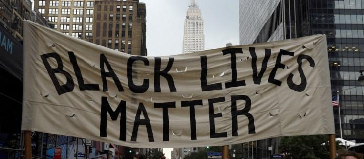 Banner stating Black Lives Matter in New York City