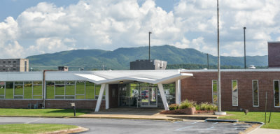 Front view of Innovation Lab with mountains in background